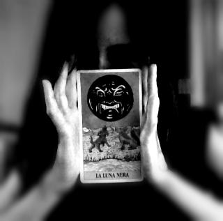 luna nera.jpg
